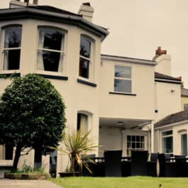 portsmouth-self-catering-house