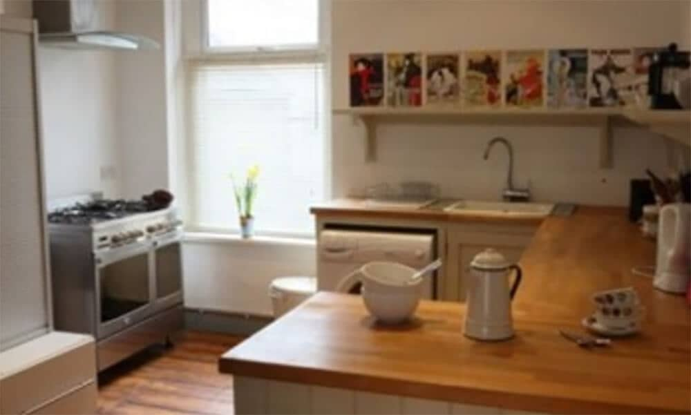cardiff self catering house