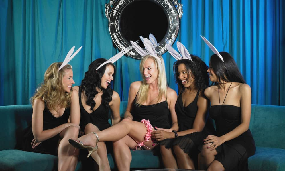 burlesque dancing lesson for hen party