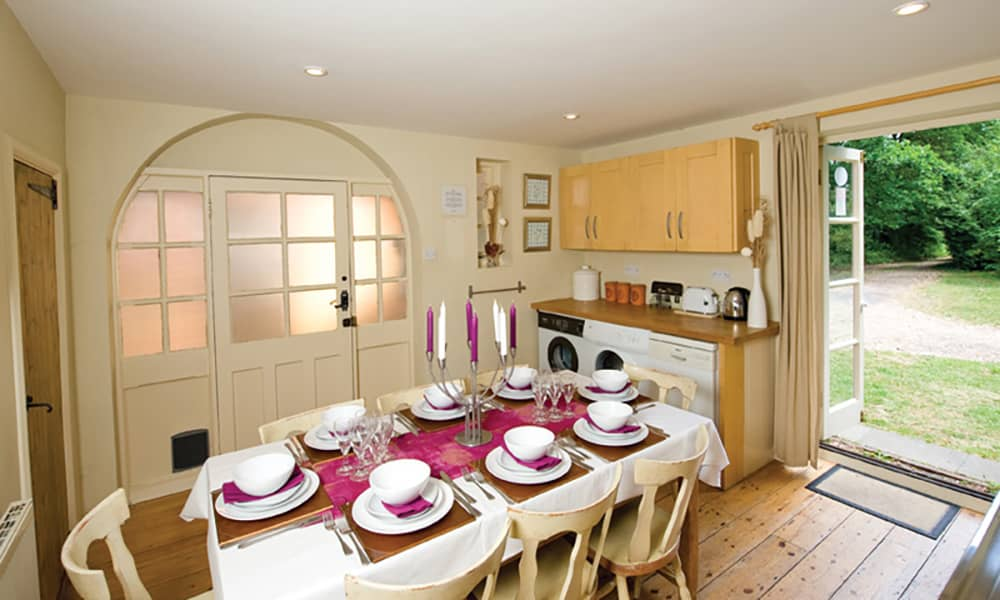 large newforest cottage for hire