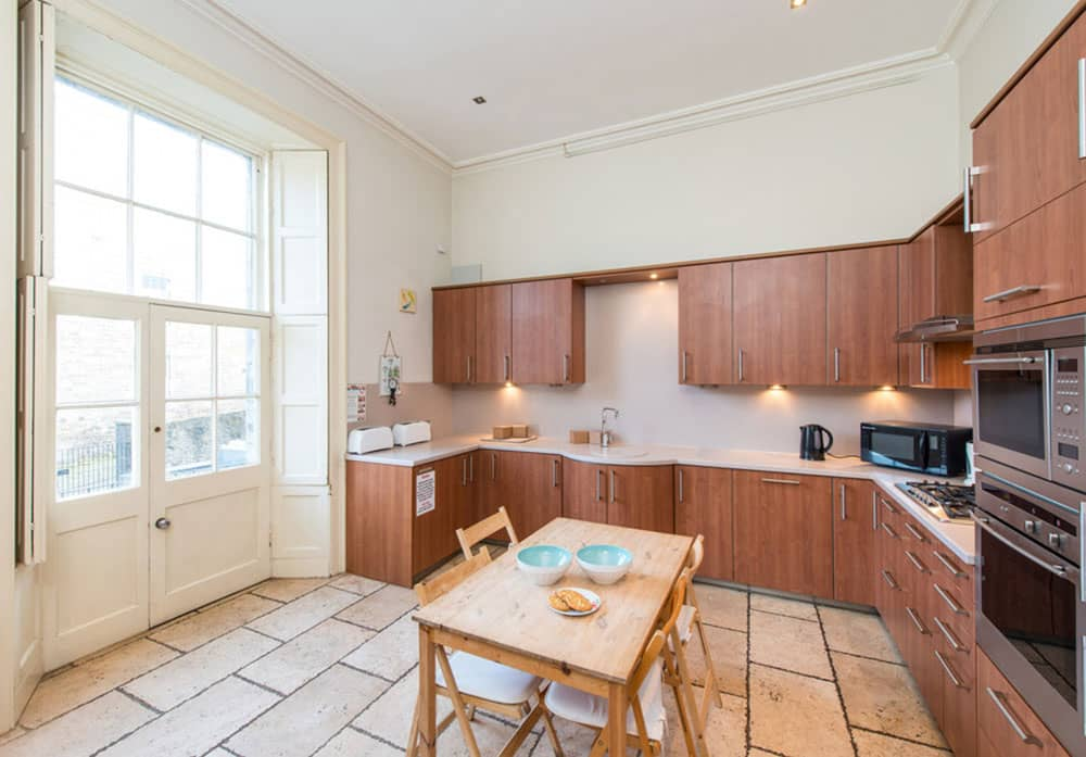 edinburgh-city-centre-apartment