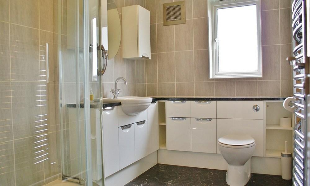 Oxford Manor Lodge Bathroom