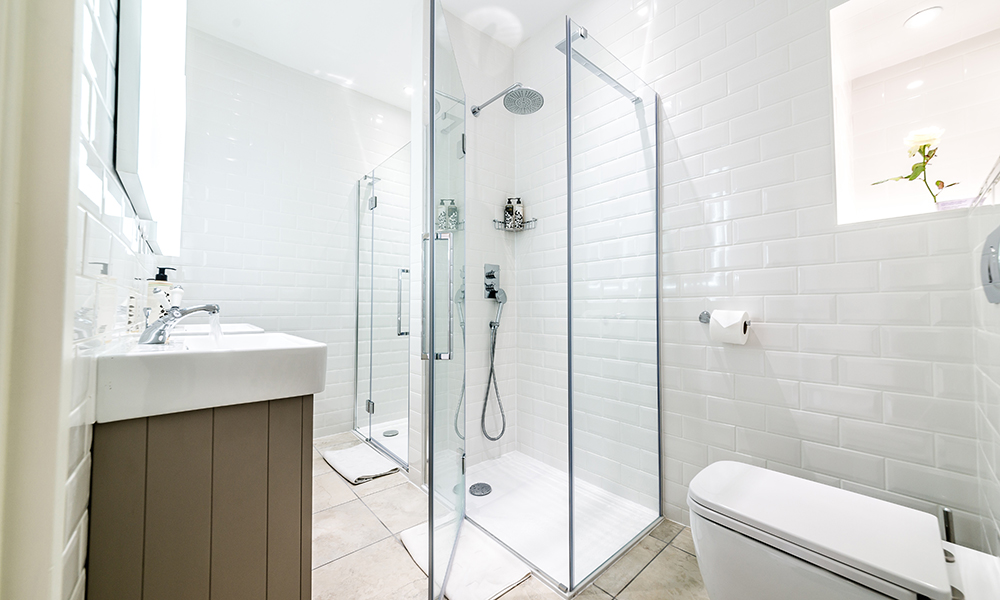 Bath Self Catering Holiday Home Bathroom