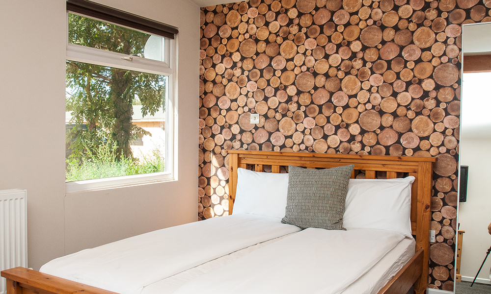 Bristol Luxury Holiday Cabin