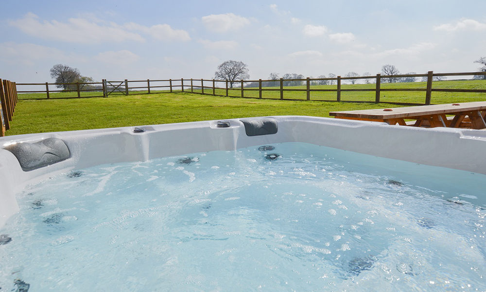 Oxford house with hot tub