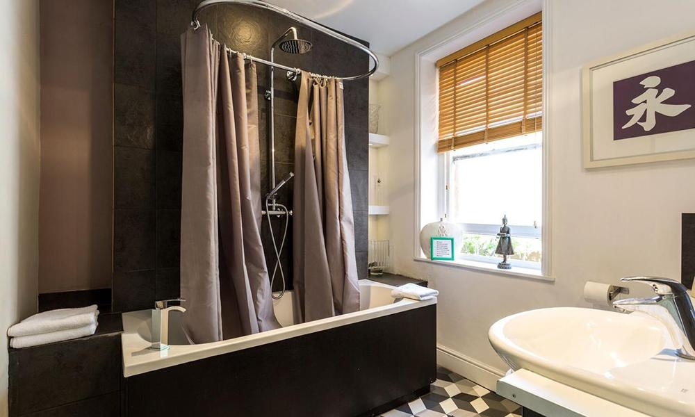 Bournemouth Hot Tub House